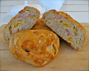 Cheddar & Bacon Loaves detail