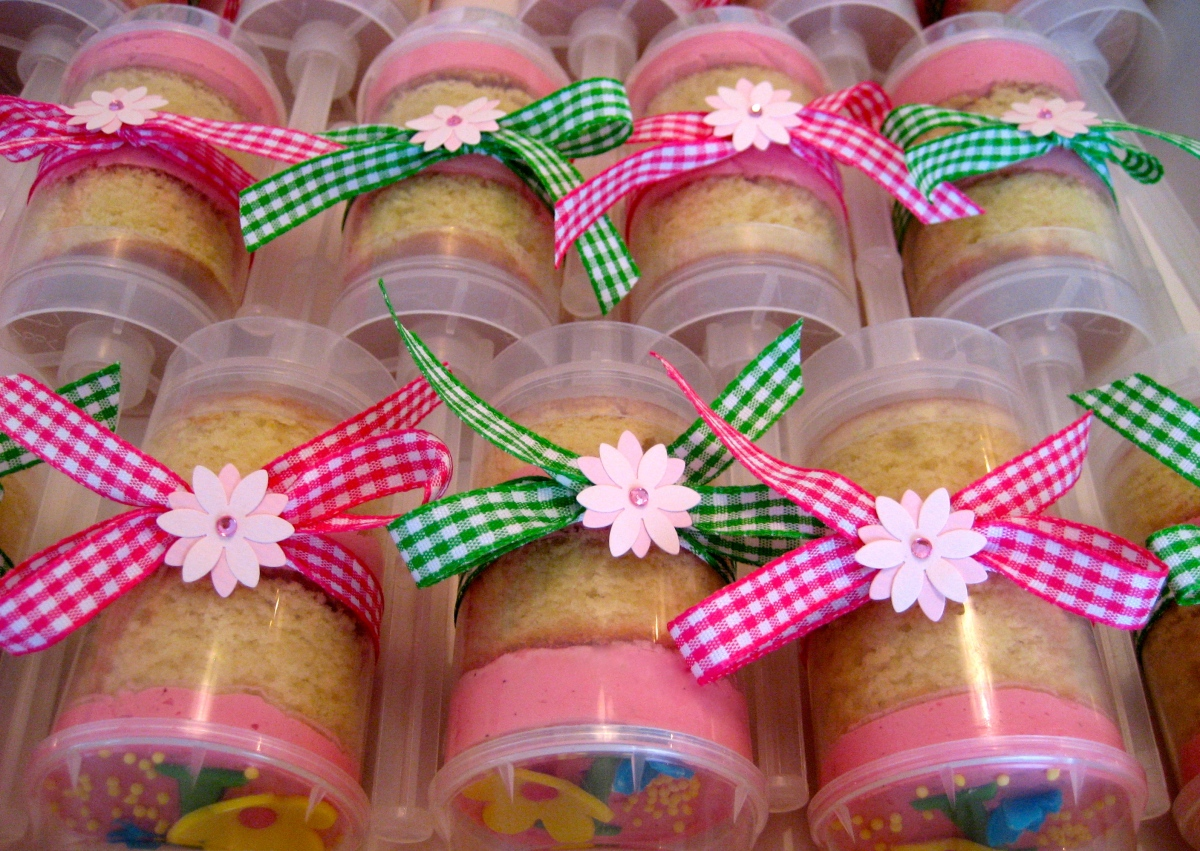 Cake Pushpops