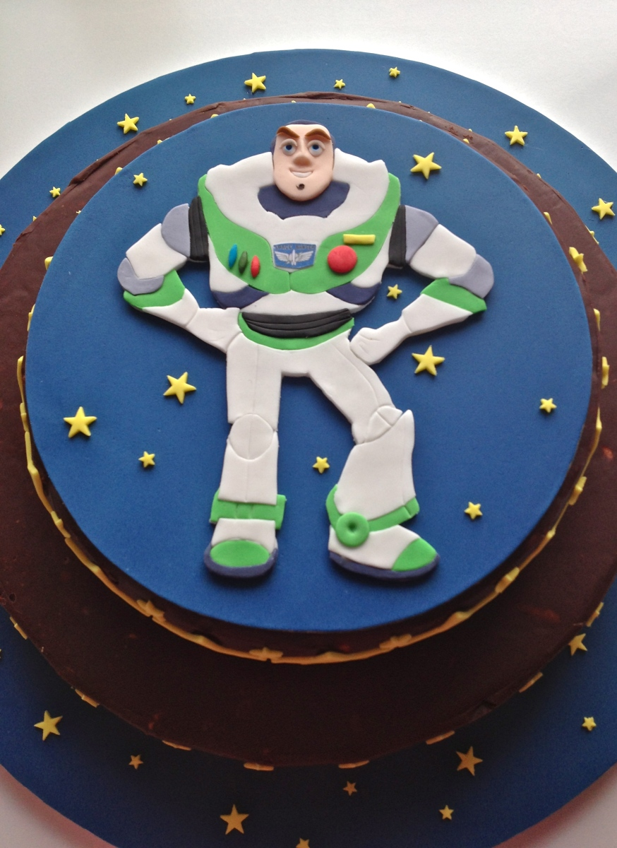 Buzz Lightyear Biscuit Cake