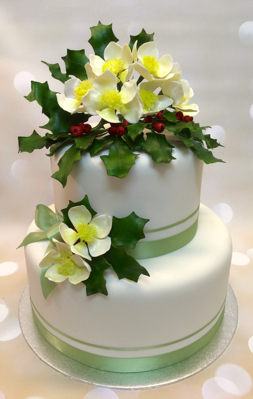 Christmas Rose and Holly Cake 1