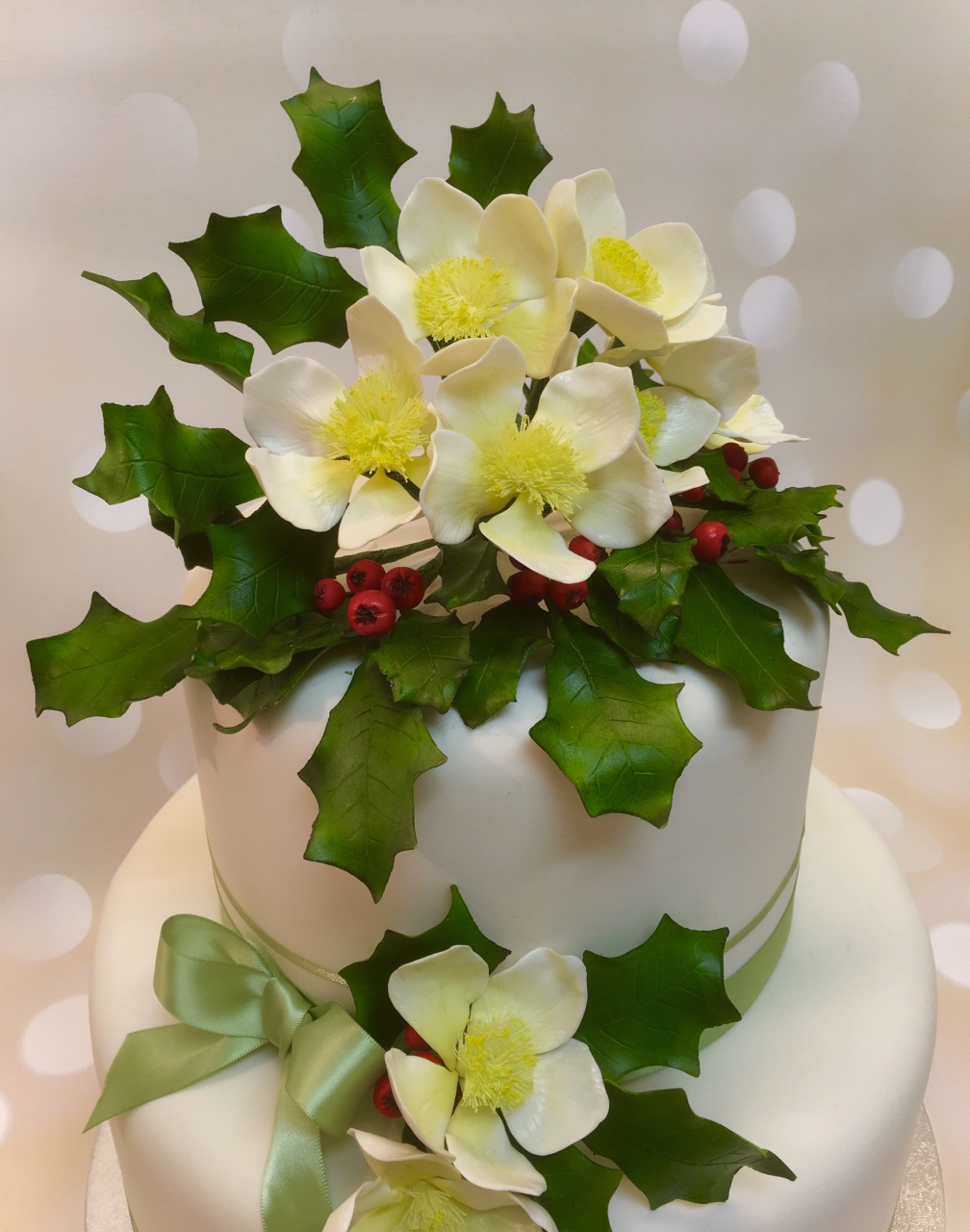 Christmas Rose and Holly Cake 2