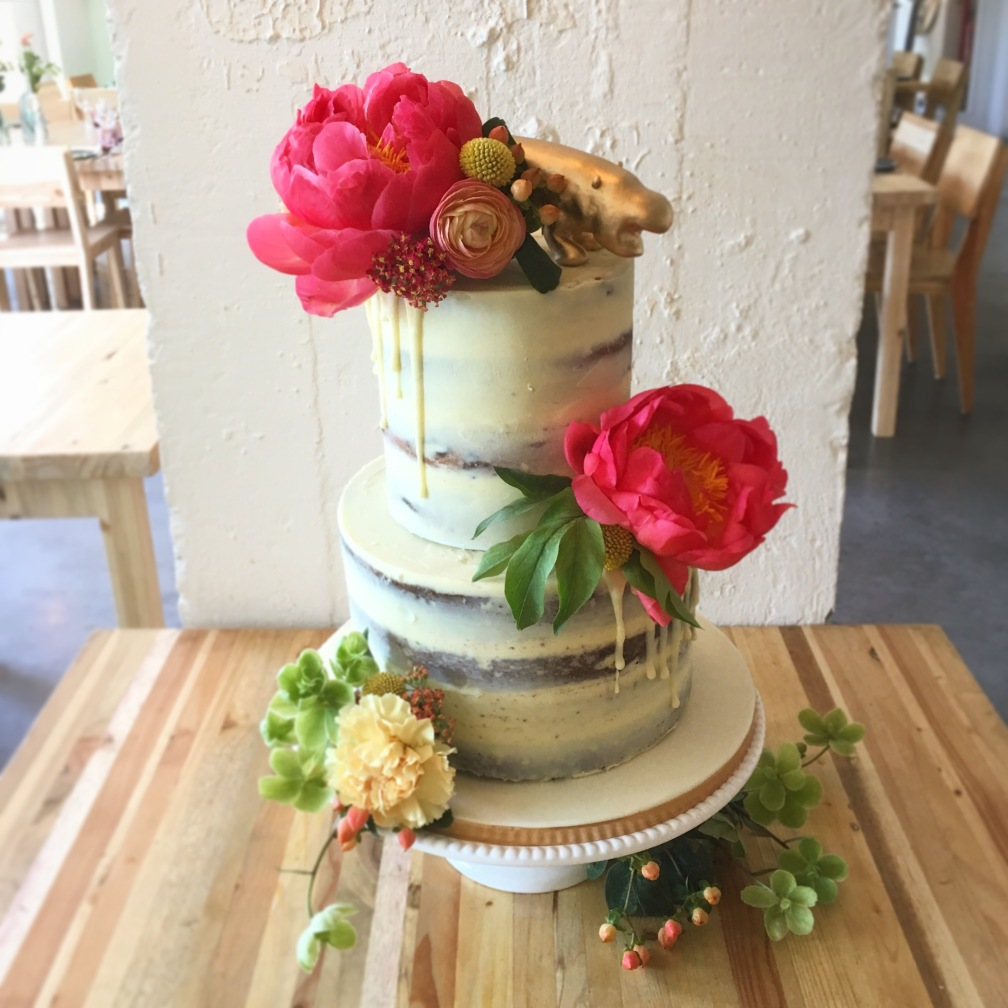 Fresh Flower & Hippo Naked cake
