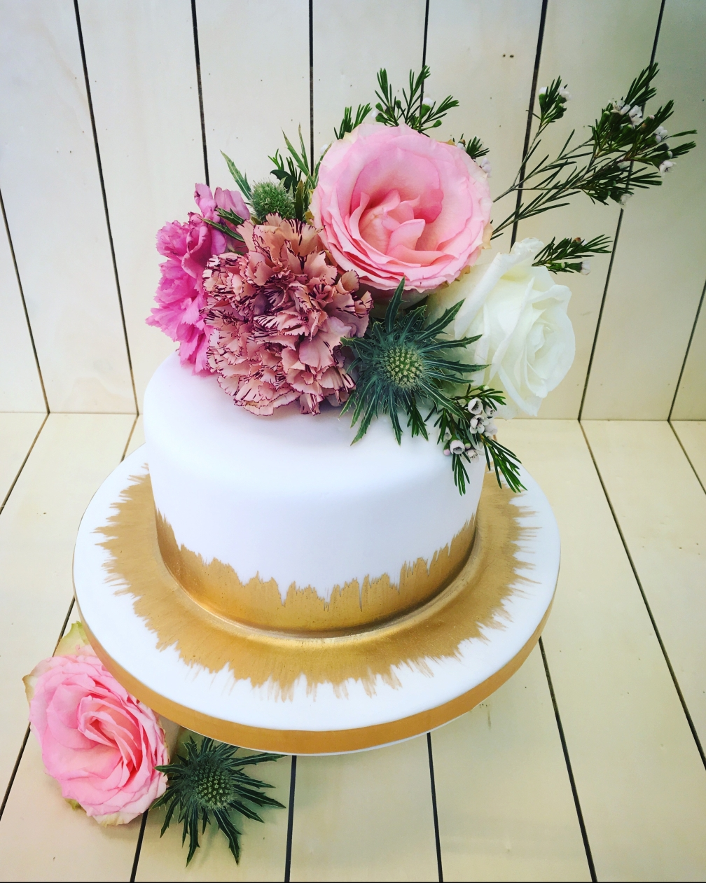 Sunshine cake with fresh flowers